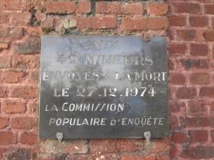 Plaque de la commission populaire d'enquête - Liévin 1974